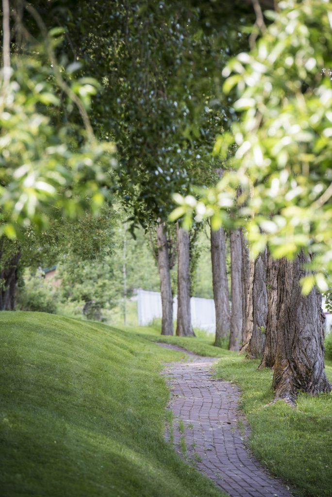 Path to the village Photo by Warren Zelman